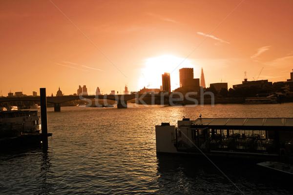 Londra Cityscape gün batımı gökyüzü şehir nehir Stok fotoğraf © Julietphotography