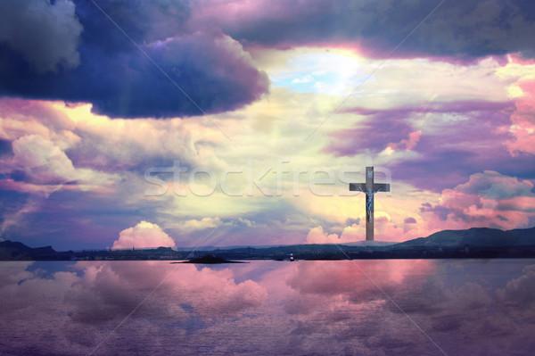 Krzyż Jezusa Chrystusa piękna chmury wody Zdjęcia stock © Julietphotography