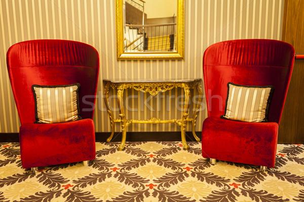 Real poltrona vermelho quente decoração madeira Foto stock © juniart