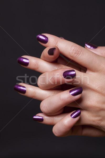 Stock fotó: Közelkép · női · kezek · fekete · díszített · lila