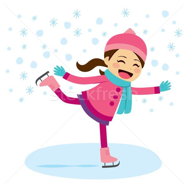 Lány korcsolyázás aranyos kislány visel meleg Stock fotó © Kakigori