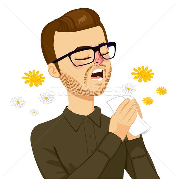 商业照片: 男子 · 打喷嚏 · 年轻人 · 春天 · 过敏