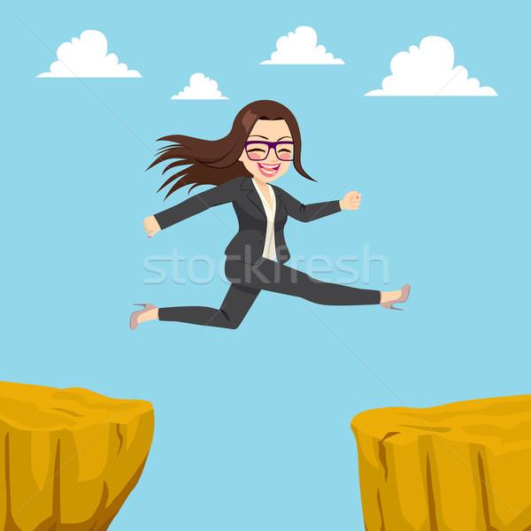 Empresária penhasco lacuna ilustração feliz saltando Foto stock © Kakigori