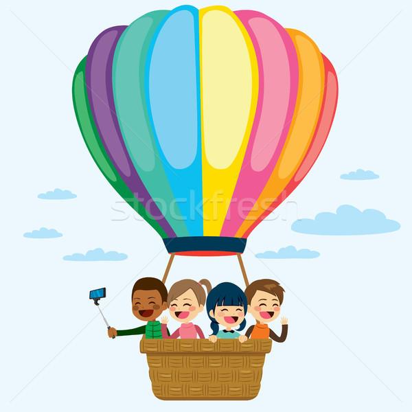 Balonem dzieci szczęśliwy mały pływające kolorowy Zdjęcia stock © Kakigori
