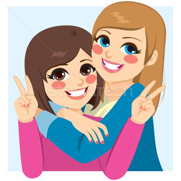 Legjobb barátok ölel kettő boldog lányok felirat Stock fotó © Kakigori