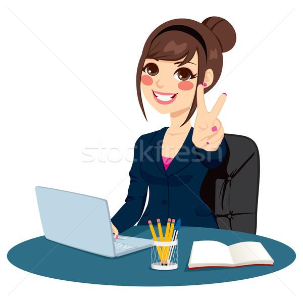 Zwycięstwo podpisania kobieta interesu udany znak ręką Zdjęcia stock © Kakigori