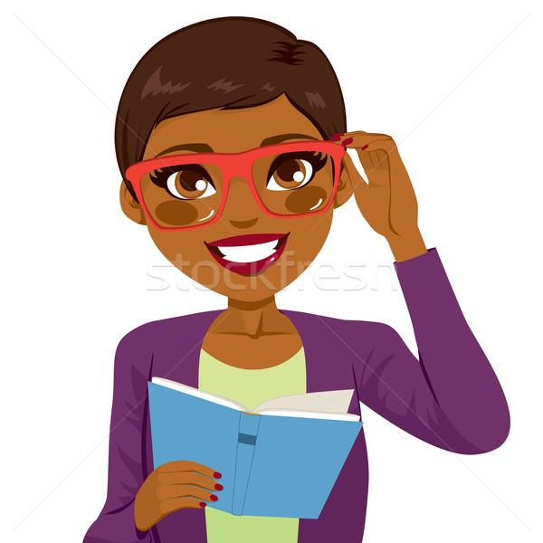 Stock fotó: Afroamerikai · lány · olvas · könyv · gyönyörű · tart
