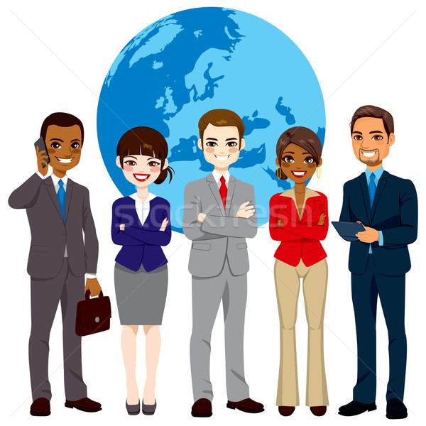 Többnemzetiségű globális üzletemberek csapat sikeres áll Stock fotó © Kakigori