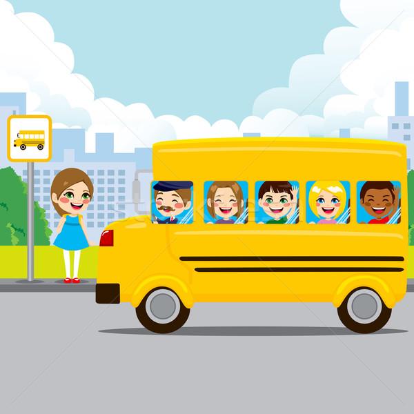 Okul otobüsü durdurmak küçük kız bekleme otobüs durağı çocuklar Stok fotoğraf © Kakigori