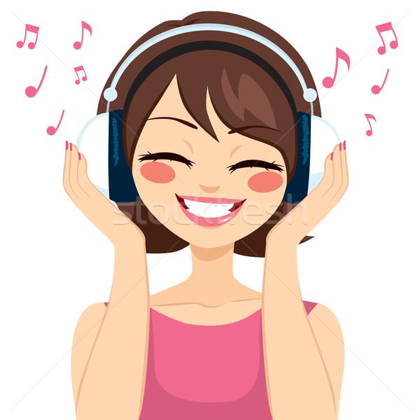 Nő zene fülhallgató gyönyörű fiatal barna hajú Stock fotó © Kakigori