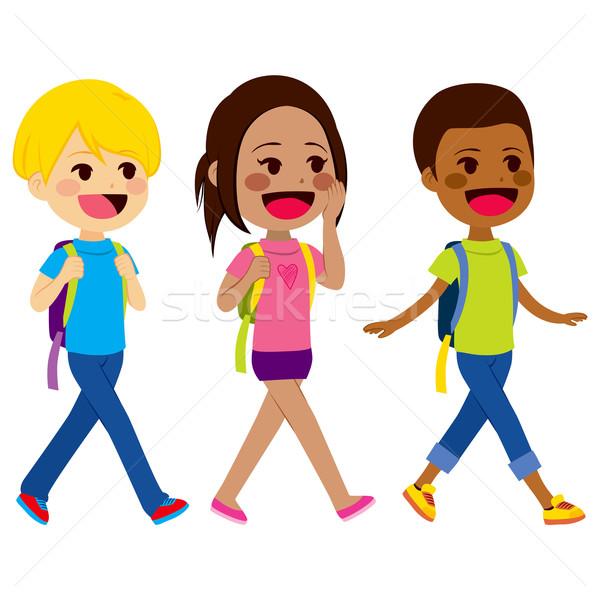 Dzieci · spaceru · szkoły · trzy · mały · szczęśliwy ...