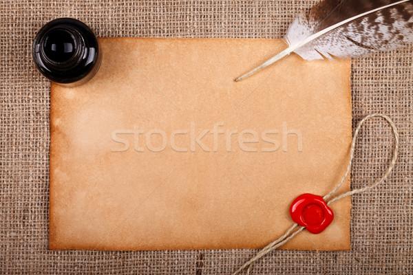 Carta pena vazio vintage papel vermelho Foto stock © kalozzolak