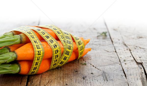 Diéta friss répák mérőszalag körül fitnessz Stock fotó © kalozzolak