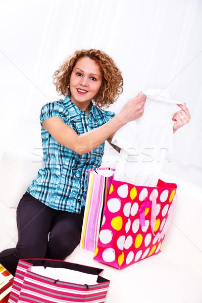 Vásárlás nap portré csinos fiatal lány mosoly Stock fotó © kalozzolak