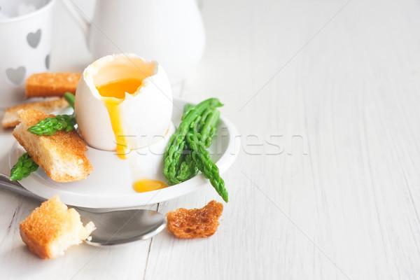 Yumuşak yumurta kuşkonmaz tost Stok fotoğraf © Karaidel
