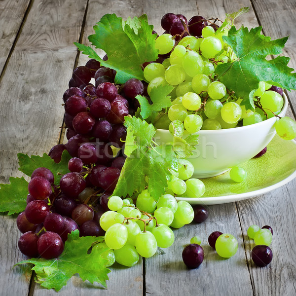 Green and red grape Stock photo © Karaidel