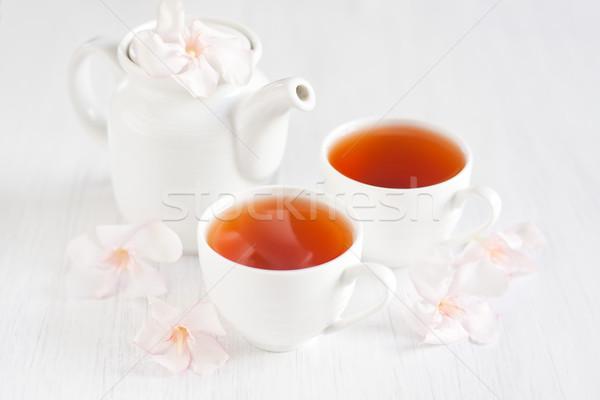 Oolong tea merítőkanál teáskanna fény rózsa Stock fotó © Karaidel
