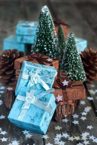 Noel hediyeler hediye kutuları dekorasyon ahşap masa ahşap Stok fotoğraf © Karaidel