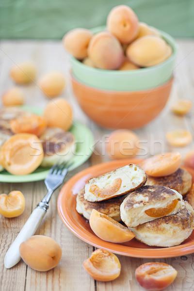 Palacsinták orosz sült nyár sajt gyümölcsök Stock fotó © Karaidel