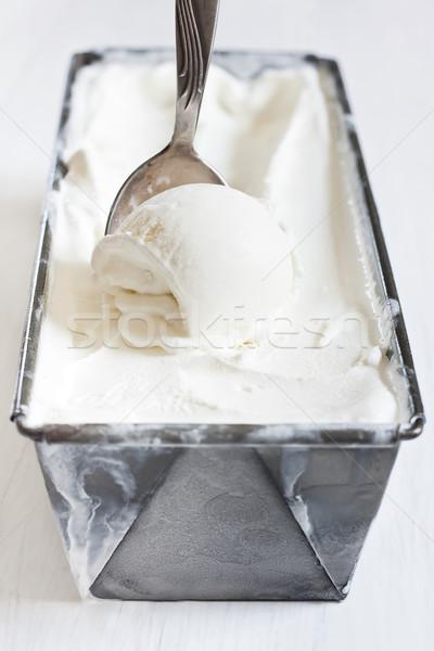 Domowej roboty lody zamrożone pojemnik selektywne focus tle Zdjęcia stock © Karaidel
