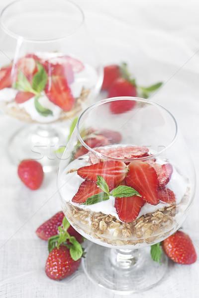 Joghurt granola eper természetes érett üveg Stock fotó © Karaidel