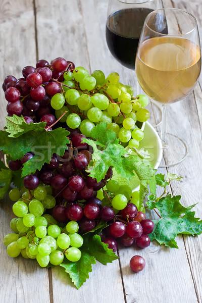 Verde vermelho uva maduro branco vinho tinto Foto stock © Karaidel