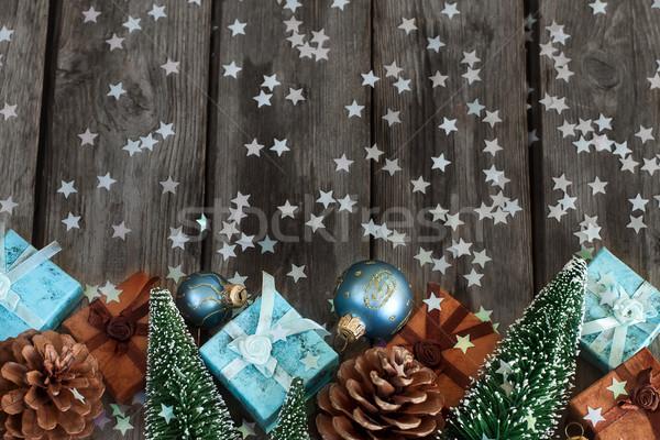 Christmas prezenty dekoracji drewniany stół kopia przestrzeń Zdjęcia stock © Karaidel