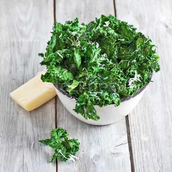Cips peynir seramik çanak seçici odak salata Stok fotoğraf © Karaidel