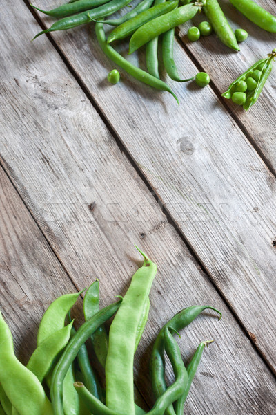 Köşe fasulye bezelye yeşil eski ahşap Stok fotoğraf © Karaidel
