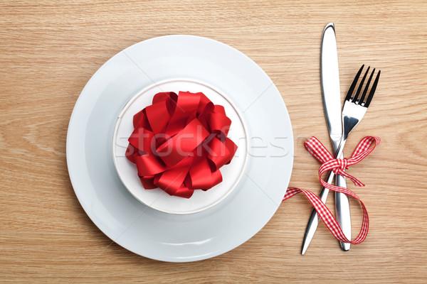 Saint valentin coffret cadeau plaque argenterie table en bois Photo stock © karandaev