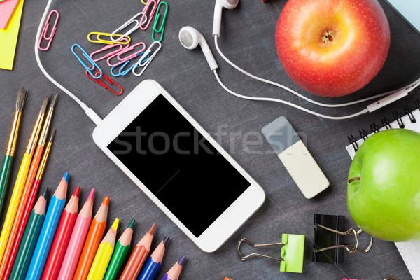 Stock fotó: Tanszerek · okostelefon · iskolatábla · iskola · irodaszerek · almák
