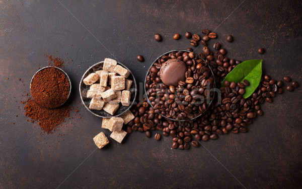 Koffiebonen grond poeder bruine suiker steen top Stockfoto © karandaev