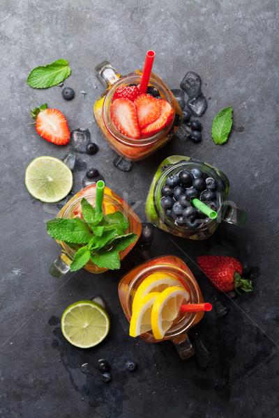 Fresche limonata estate frutti frutti di bosco jar Foto d'archivio © karandaev