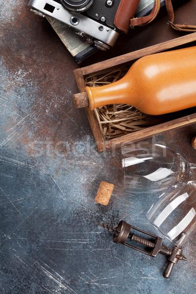 Wijnfles vak metaal tabel top Stockfoto © karandaev