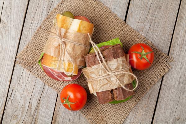 Dois sanduíches salada presunto queijo tomates Foto stock © karandaev