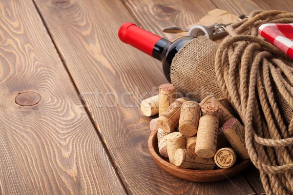 赤ワイン ボトル コークスクリュー 木製のテーブル コピースペース 食品 ストックフォト © karandaev
