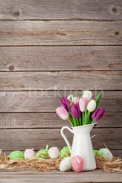 ストックフォト: イースターエッグ · カラフル · チューリップ · 花束 · 木製 · 壁