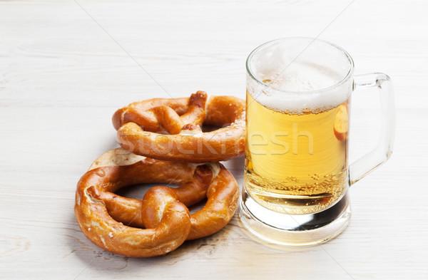 Alman birası bira tuzlu kraker ahşap masa ahşap tablo Stok fotoğraf © karandaev