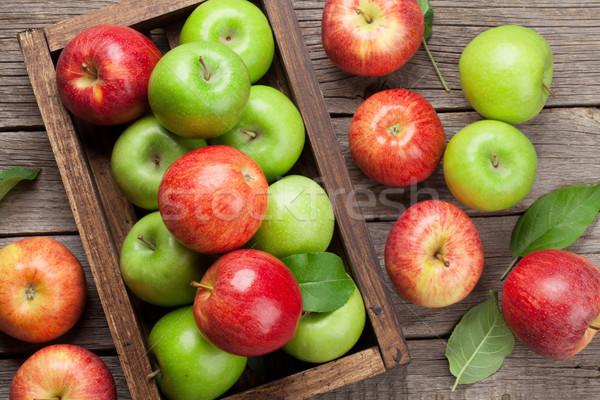 Stockfoto: Groene · Rood · appels · houten · vak · rijp