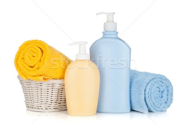 Shampoo bottiglie asciugamani isolato bianco corpo Foto d'archivio © karandaev