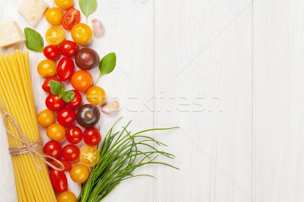 Italiaans eten koken ingrediënten pasta groenten specerijen Stockfoto © karandaev