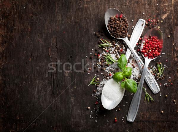 Ervas temperos mesa de madeira topo ver cópia espaço Foto stock © karandaev