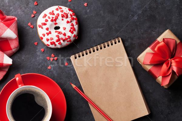 Tatlı çörek kahve hediye kutusu taş tablo üst Stok fotoğraf © karandaev