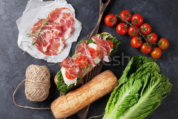 Stock fotó: Szendvics · saláta · prosciutto · mozzarella · sajt · kő