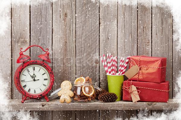 Noel hediye kutuları çalar saat gıda ahşap Stok fotoğraf © karandaev