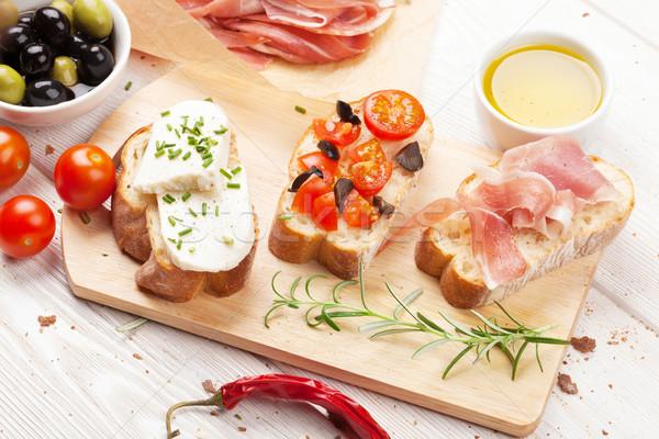 Stockfoto: Bruschetta · kaas · tomaten · prosciutto · voedsel