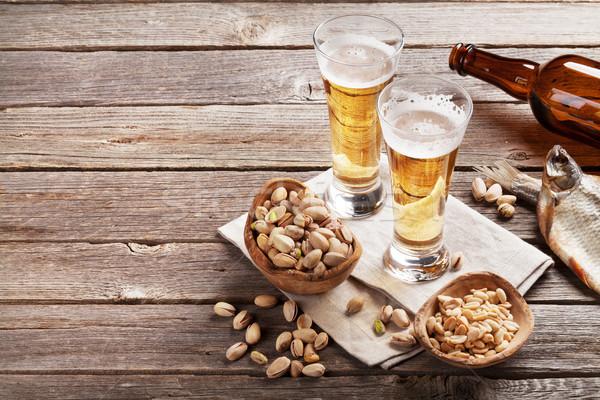 Stok fotoğraf: Alman · birası · bira · gözlük · ahşap · masa · fındık