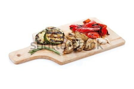 Gegrillt Gemüse Schneidebrett isoliert weiß Salat Stock foto © karandaev