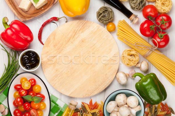 Olasz étel főzés hozzávalók tészta zöldségek fűszer Stock fotó © karandaev