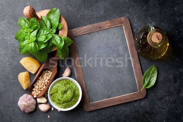 Pesto salsa cocina albahaca aceite de oliva parmesano Foto stock © karandaev